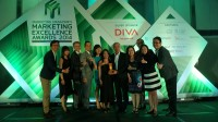 Epson-Team-Receiving-the-Gold-Award